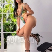 Nicolly souza trans escort