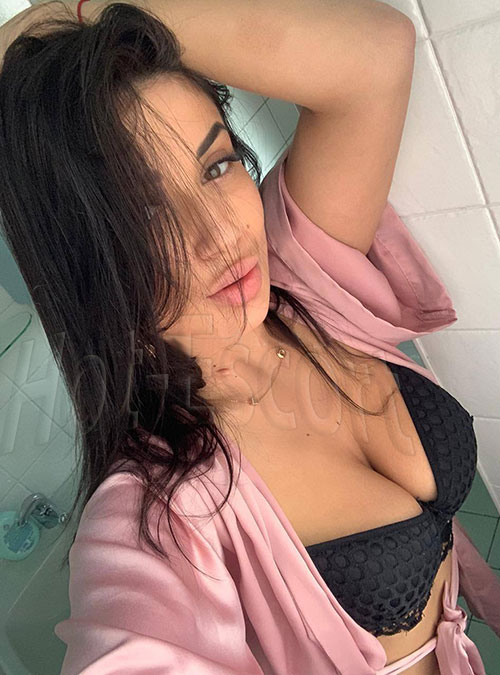 Yana escort girl